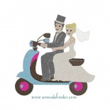 Mariés à Vespa